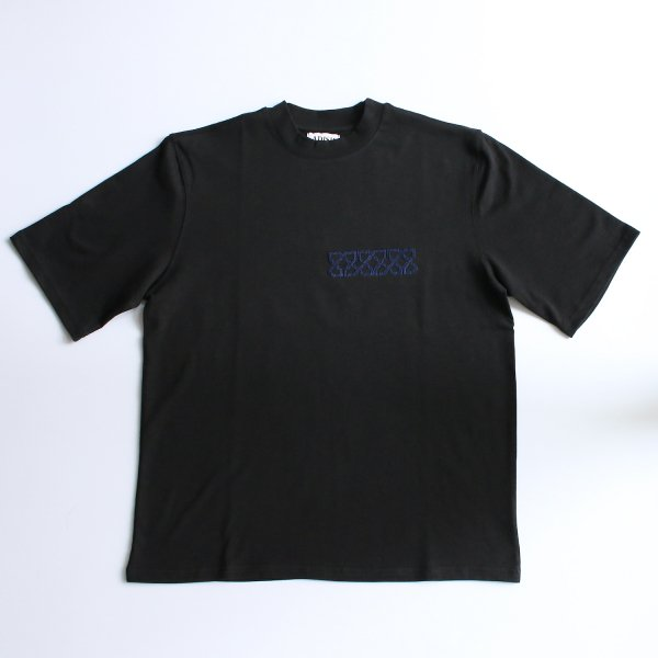 ADISH / CROP TEE SHIRT SNAKE PATTERN- BLACK (NAVY EMBRO)