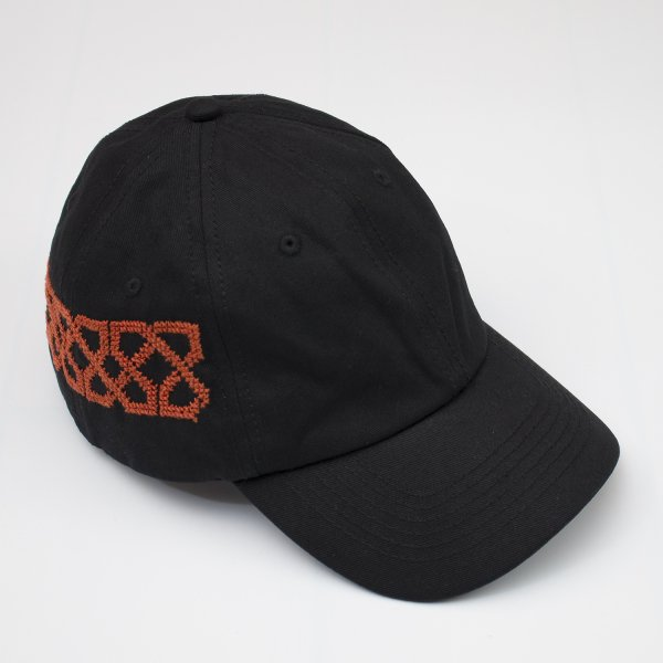 <img class='new_mark_img1' src='//img.shop-pro.jp/img/new/icons20.gif' style='border:none;display:inline;margin:0px;padding:0px;width:auto;' />ADISH / DAD HAT SNAKE PATTERN- BLACK (ORANGE EMBRO)