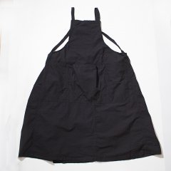 <img class='new_mark_img1' src='//img.shop-pro.jp/img/new/icons8.gif' style='border:none;display:inline;margin:0px;padding:0px;width:auto;' />YARMO<br />Bib Apron Dress