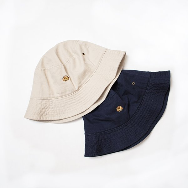 <img class='new_mark_img1' src='//img.shop-pro.jp/img/new/icons8.gif' style='border:none;display:inline;margin:0px;padding:0px;width:auto;' />BIN×Pistachio Studio <br />Banana Embroidery Bucket hat