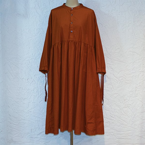 <img class='new_mark_img1' src='//img.shop-pro.jp/img/new/icons8.gif' style='border:none;display:inline;margin:0px;padding:0px;width:auto;' />YARMO ヤーモ / Gathered Dress