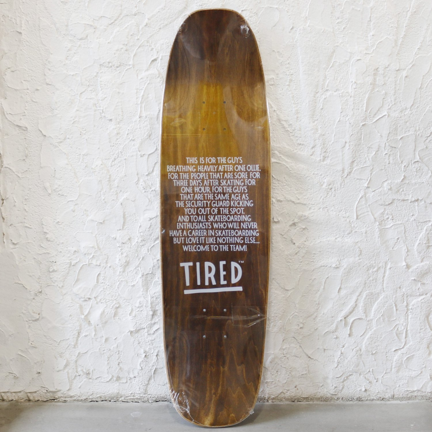 <img class='new_mark_img1' src='https://img.shop-pro.jp/img/new/icons8.gif' style='border:none;display:inline;margin:0px;padding:0px;width:auto;' />Tired タイレッド / LONG T LOGO SKATEBOARD