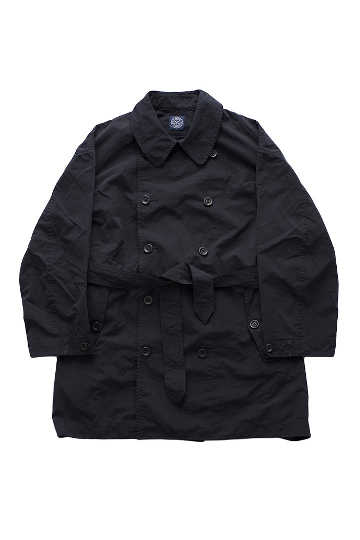 WEATHER TRENCH COAT – NAVY|48,600円(税込)