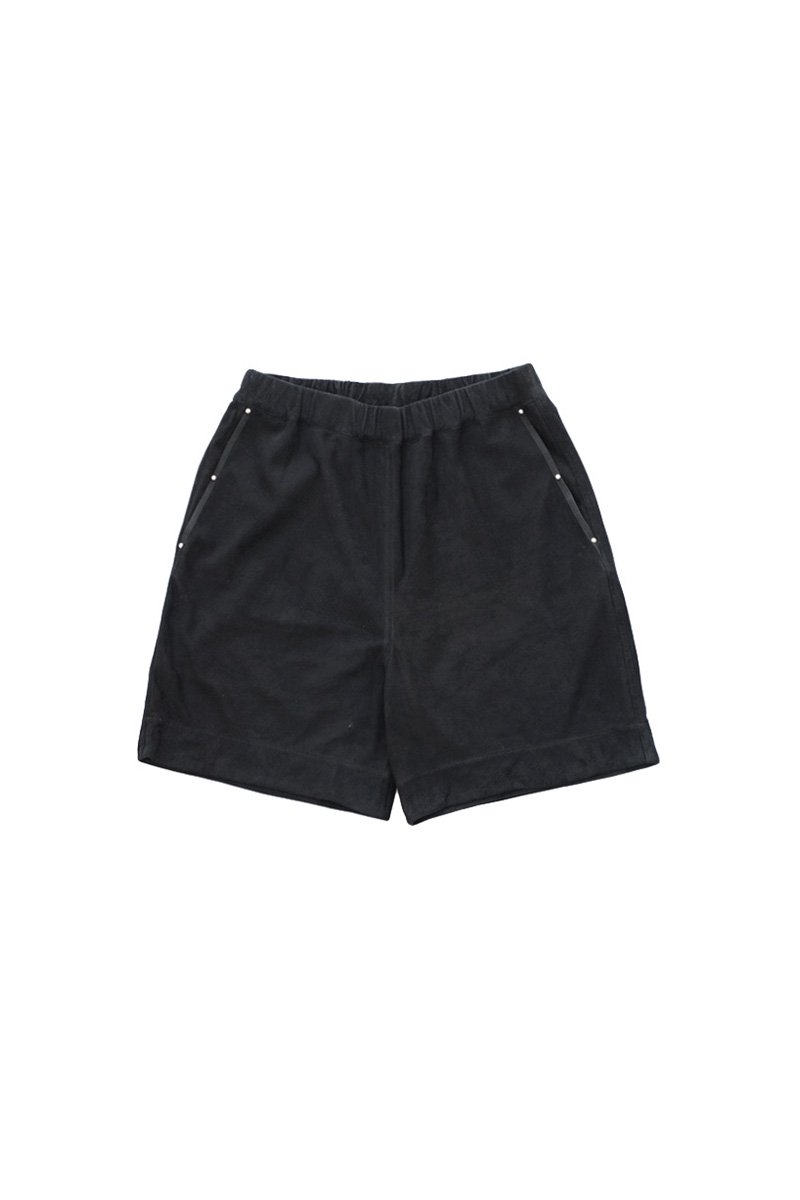 GOAT SUEDE SHORTS – BLACK|81,000円(税込)
