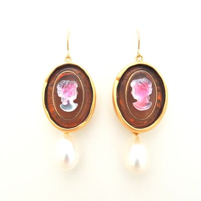 Vintage Cameo Pierce #E-221