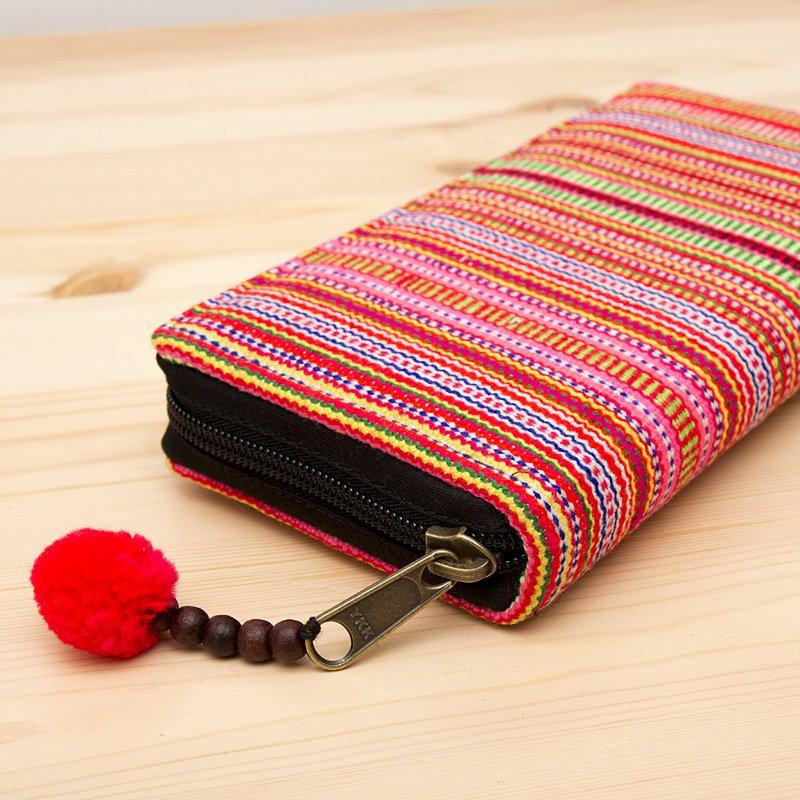 画像2:モン族刺繍のラウンドファスナー長財布(オレンジ)/ロングウォレット