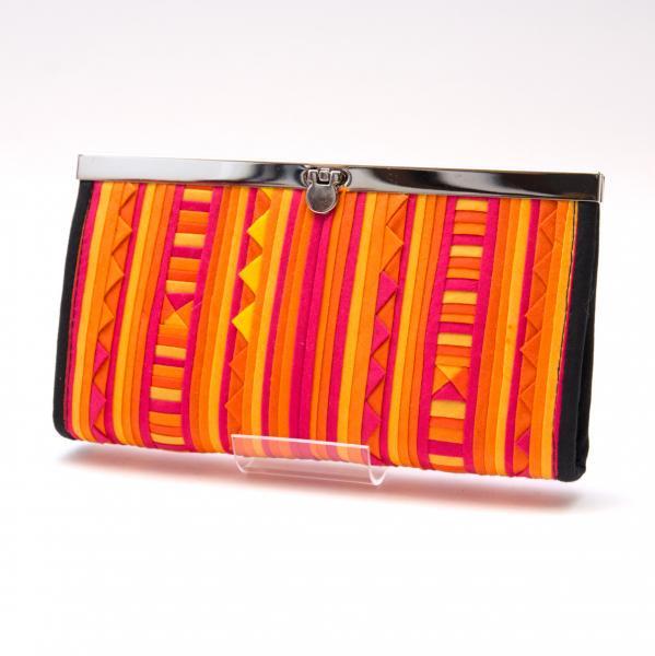リス族 モラ刺繍がま口長財布(オレンジ)