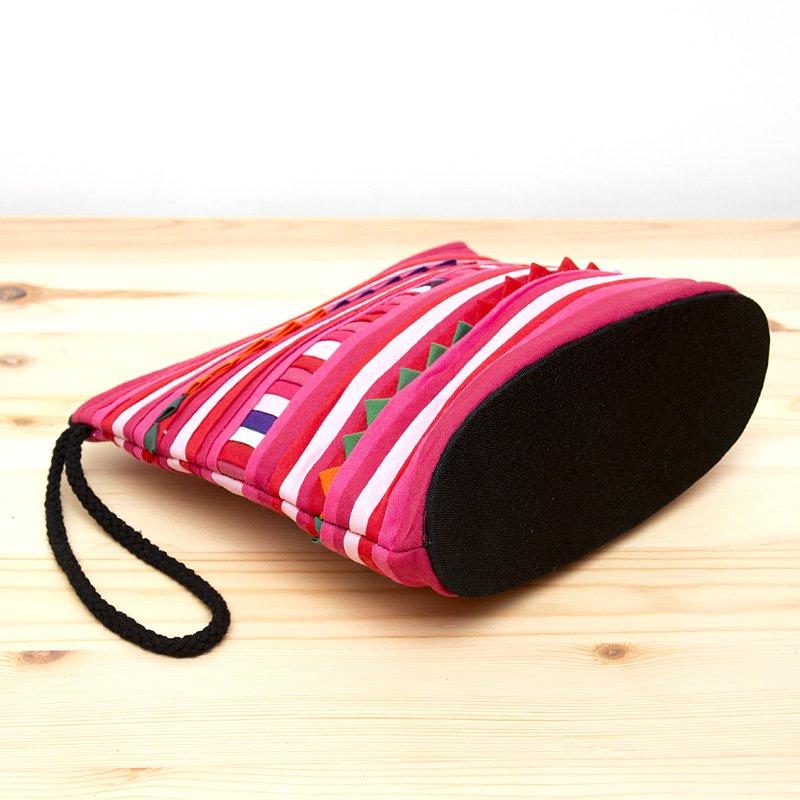 画像3:リス族刺繍のマチ付きカラフルポーチ S-size(ピンク)