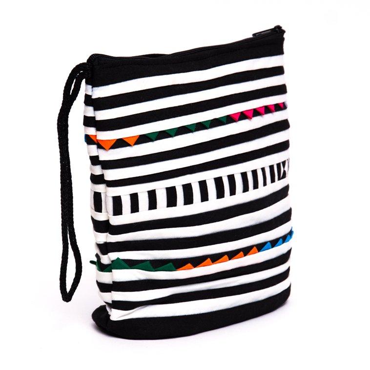 画像2:リス族刺繍のマチ付きカラフルポーチ S-size(ホワイト/ブラック)