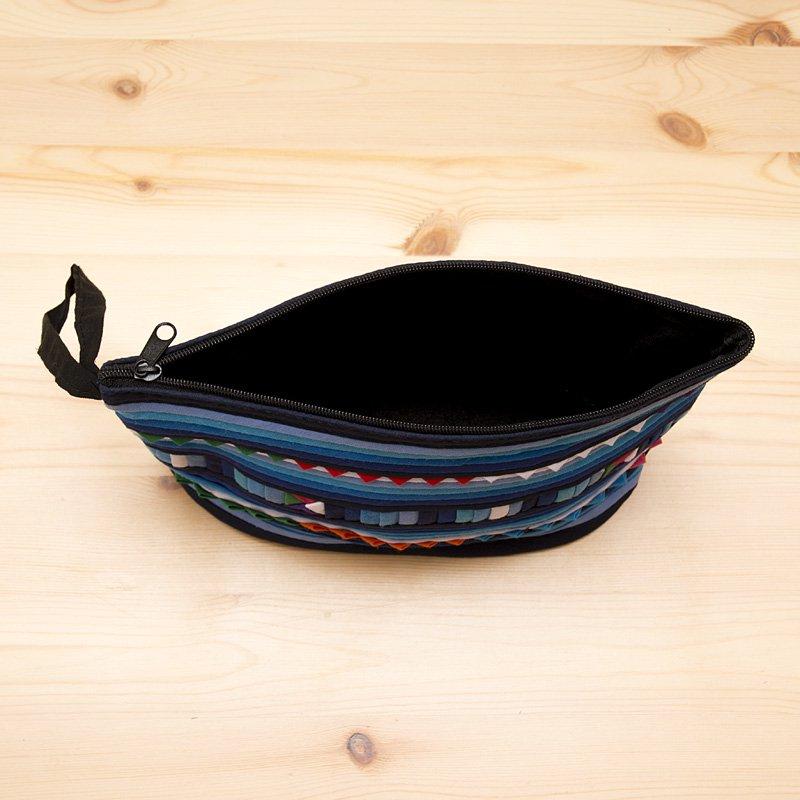 画像4:リス族刺繍のマチ付きカラフルポーチ M-size(ブルー)