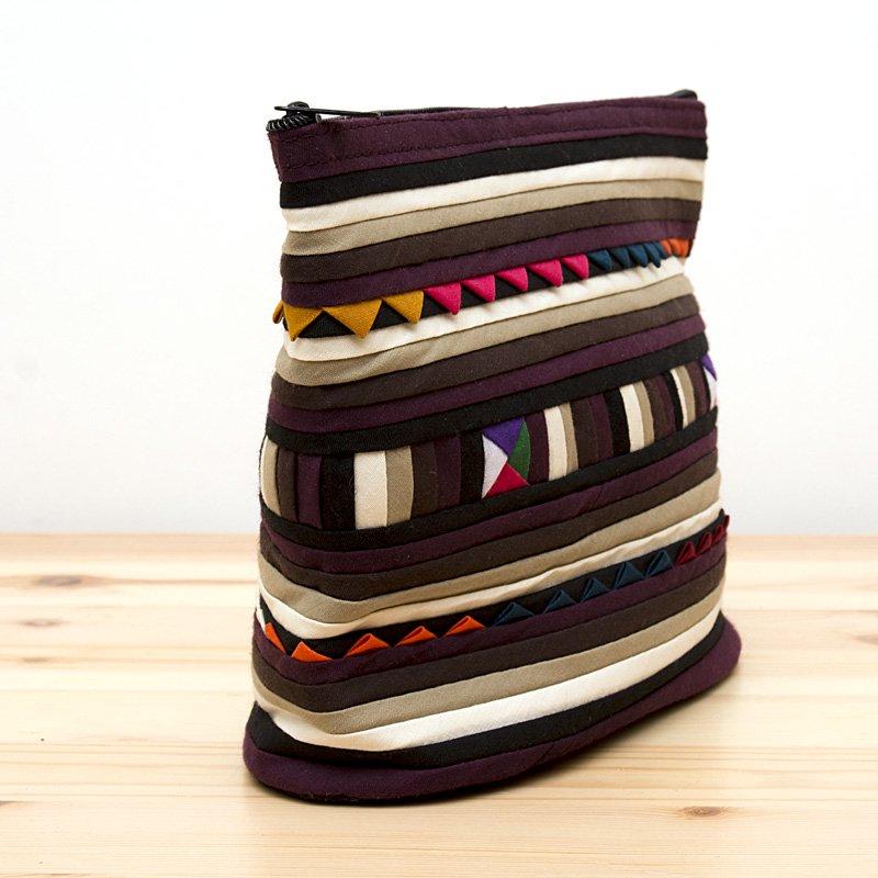画像2:リス族刺繍のマチ付きカラフルポーチ M-size(ゴールド/ブラック)