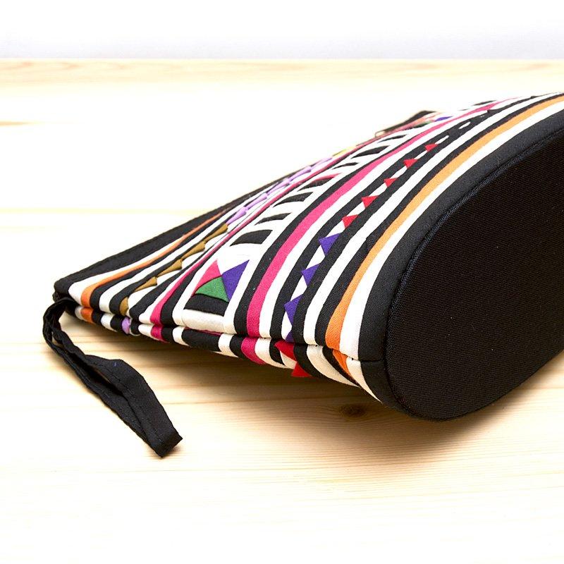 画像3:リス族刺繍のマチ付きカラフルポーチ M-size(ホワイト/ブラック)