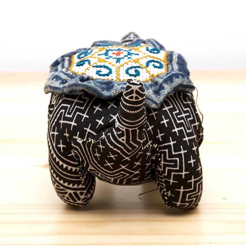 画像3:モン族刺繍の亀さんピンクッション/ろうけつ染め風/タイ雑貨