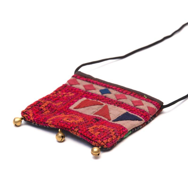 画像2:ThongPua モン族ヴィンテージ刺繍のネックポーチ Type.11