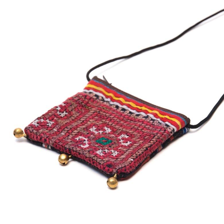 画像2:ThongPua モン族ヴィンテージ刺繍のネックポーチ Type.9