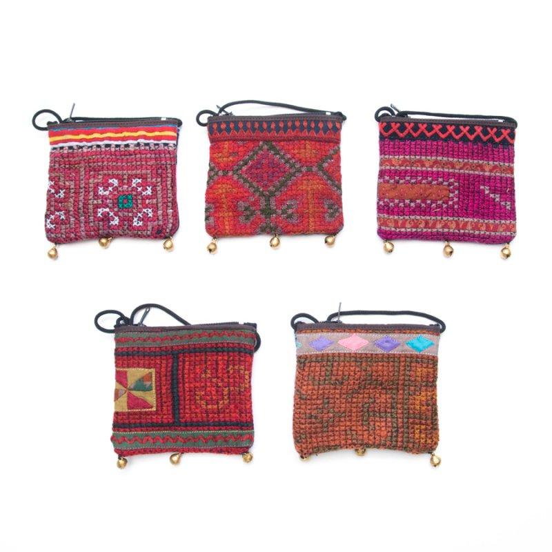 画像4:ThongPua モン族ヴィンテージ刺繍のネックポーチ Type.9