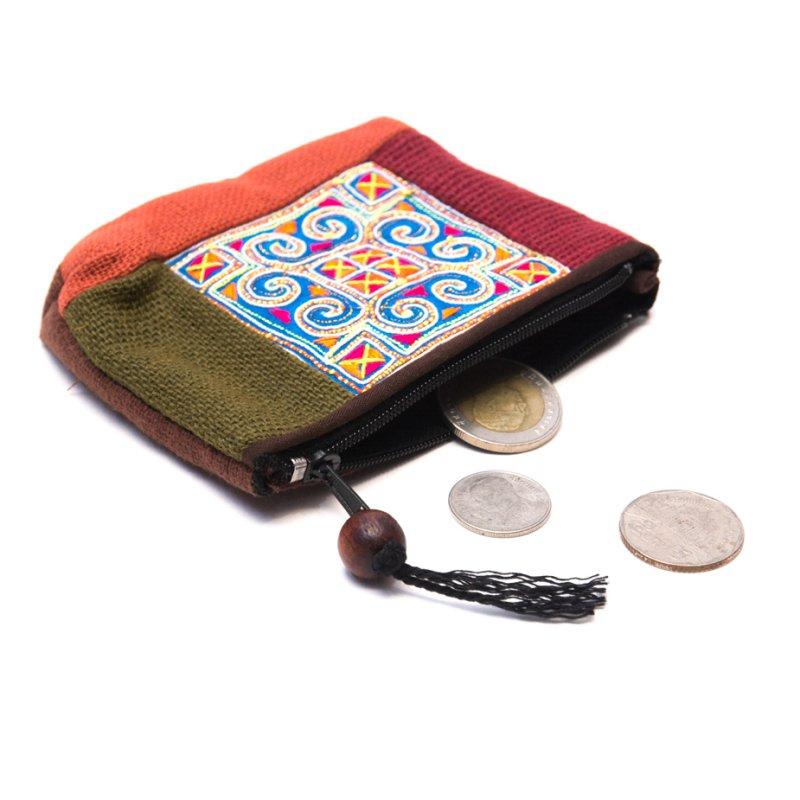 画像2:ThongPua モン族アンティーク刺繍の小物ポーチ Type.2