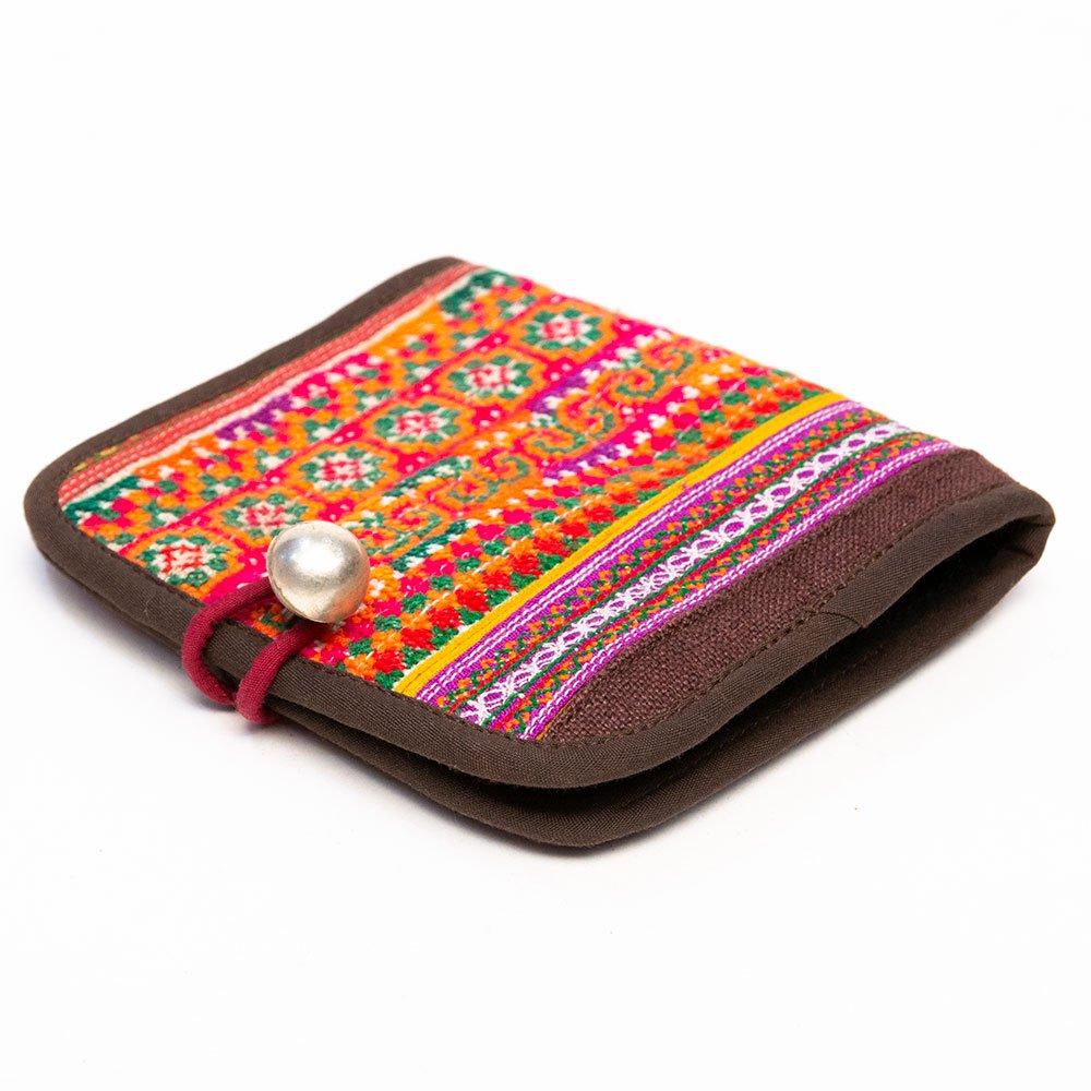 画像2:ThongPua 中国モン族(苗族) 刺繍古布の二つ折り財布(一点もの)