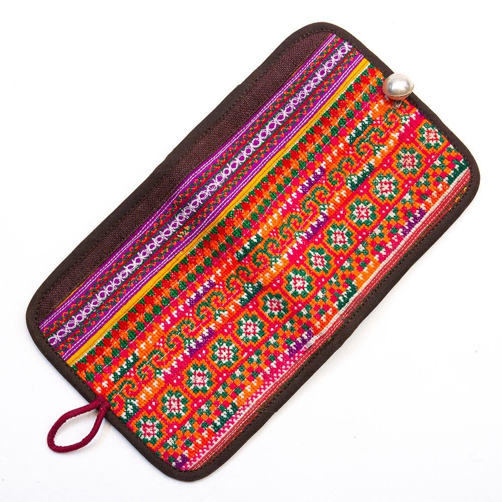 画像4:ThongPua 中国モン族(苗族) 刺繍古布の二つ折り財布(一点もの)