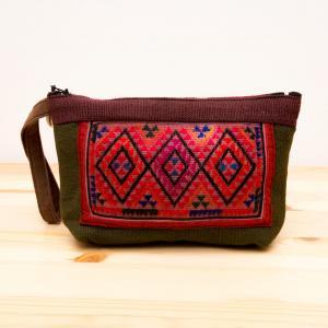 ThongPua モン族ヴィンテージ民族刺繍メイクポーチ