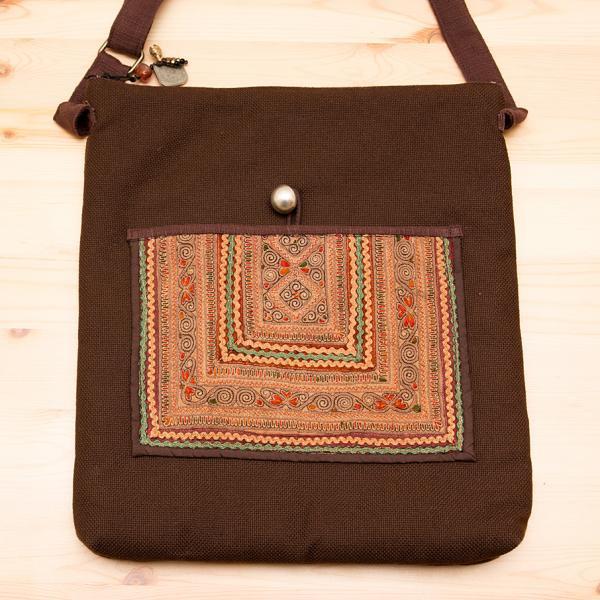 ThongPua 中国モン族(苗族)刺繍のショルダーバッグ
