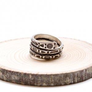 【カレン族シルバー リング】護身符の意味合いを持つ「眼」が刻まれたリング