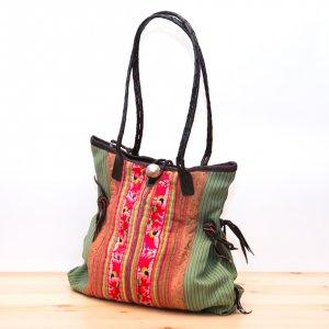 Rangmai モン族ヴィンテージ刺繍が美しいショルダーバッグ