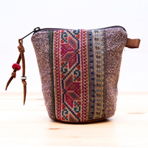Rangmai モン族のヴィンテージ刺繍(丸底)ポーチ Type.2