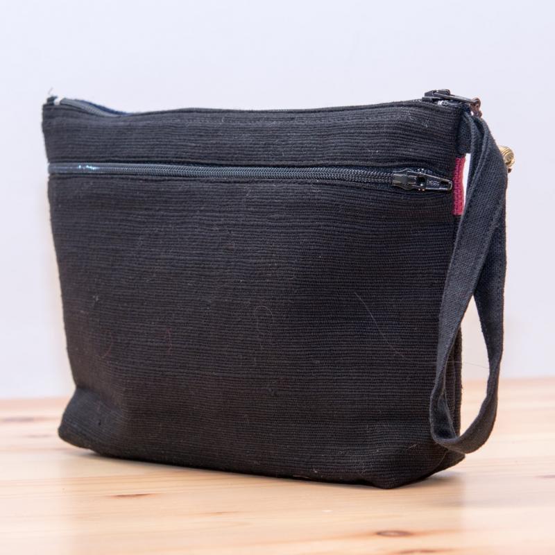 ThongPua モン族民族刺繍古布のバッグインバッグ Type.1