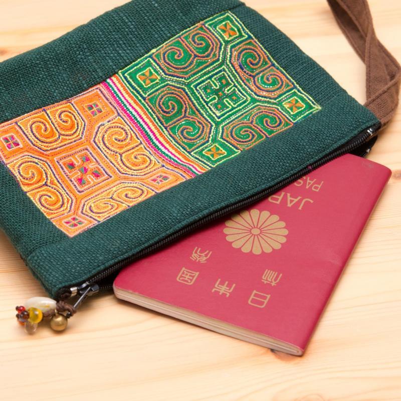 画像2:ThongPua モン族民族刺繍古布のふんわりコットンポーチ
