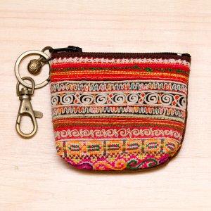 ThongPua モン族アンティーク刺繍のキーポーチ