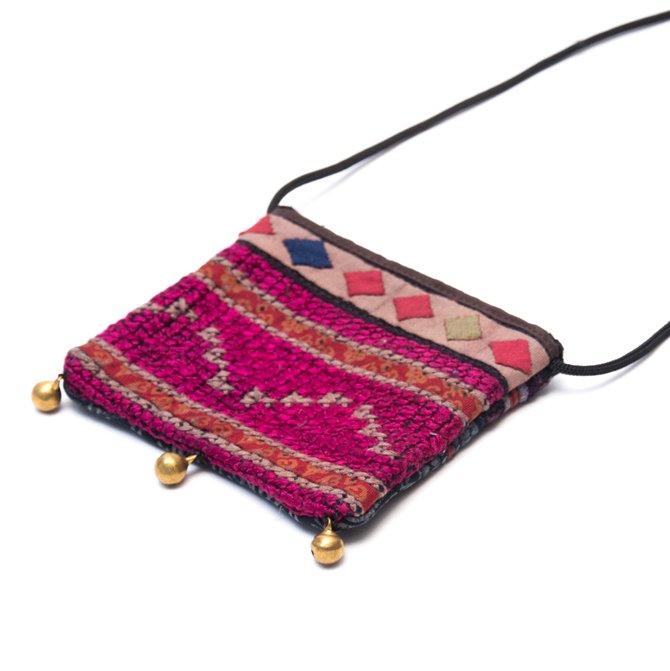 画像2:ThongPua モン族ヴィンテージ刺繍のネックポーチ Type.7