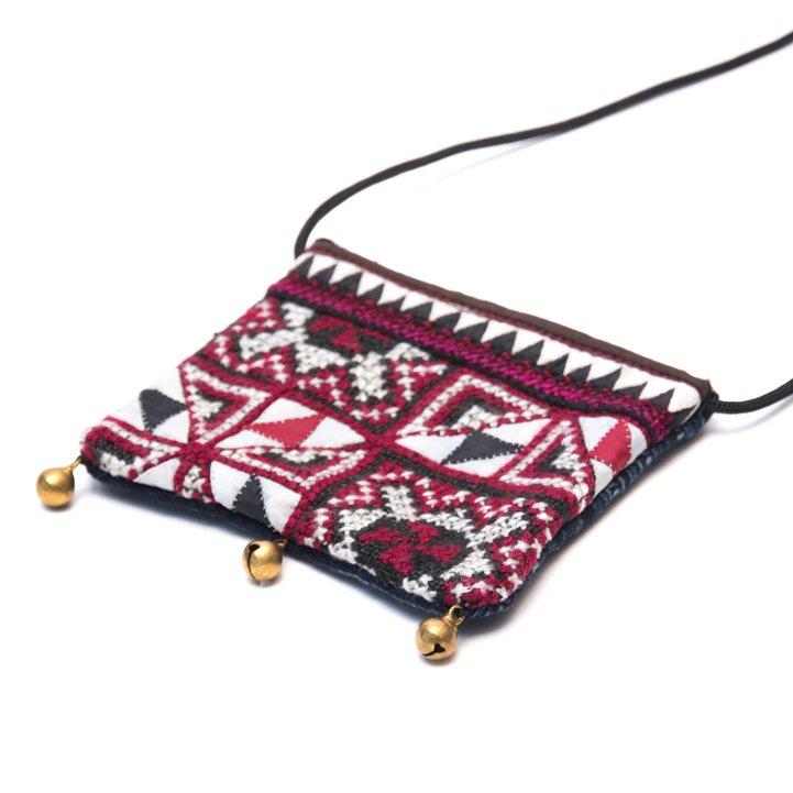 画像2:ThongPua モン族ヴィンテージ刺繍のネックポーチ Type.4