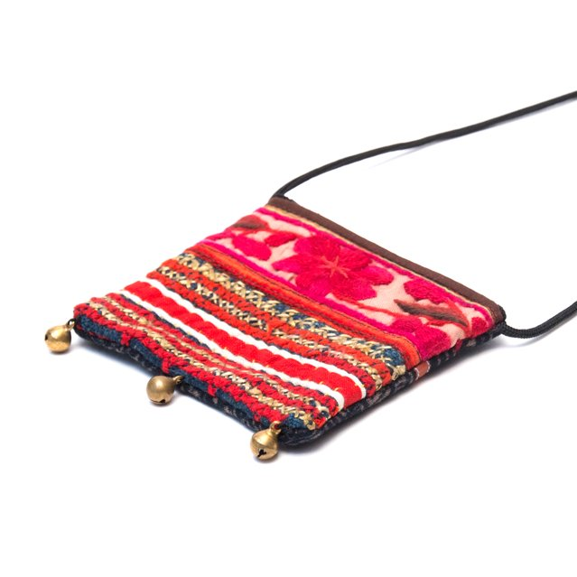 画像2:ThongPua モン族ヴィンテージ刺繍のネックポーチ Type.6