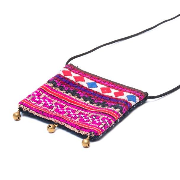 画像2:ThongPua モン族ヴィンテージ刺繍のネックポーチ Type.1