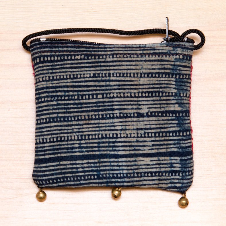 画像3:ThongPua モン族ヴィンテージ刺繍のネックポーチ Type.10