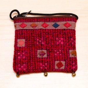 ThongPua モン族ヴィンテージ刺繍のネックポーチ Type.12