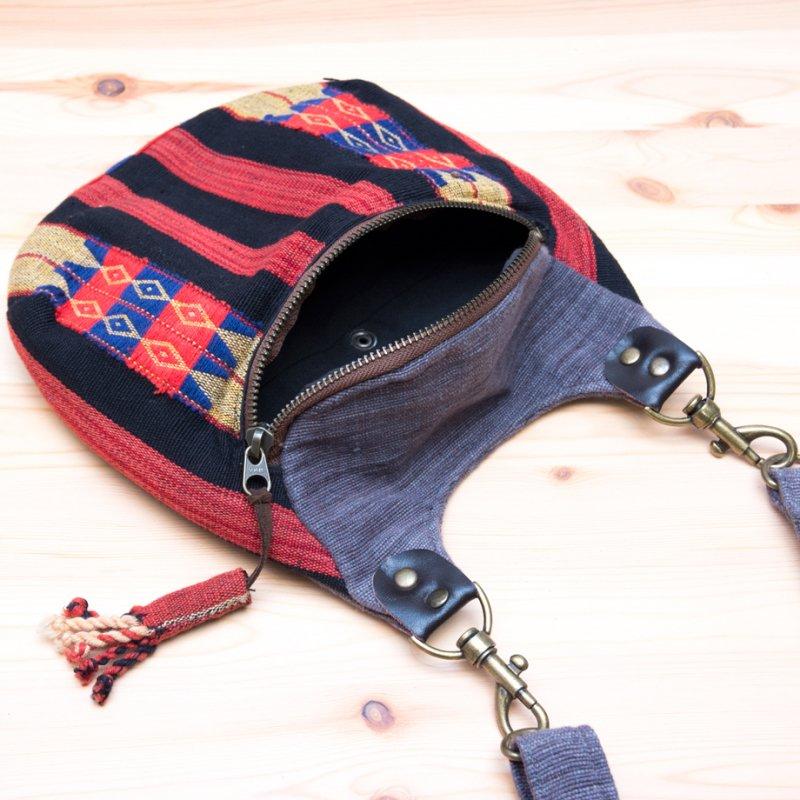 画像4:THANGEN ナガ族刺繍のショルダーポシェット Type.1