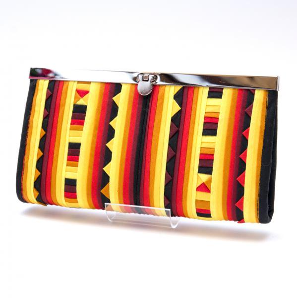 リス族 パッチワーク刺繍のがま口長財布(イエロー)