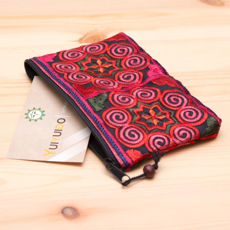 画像2:モン族雑貨|刺繍ポーチS(赤)