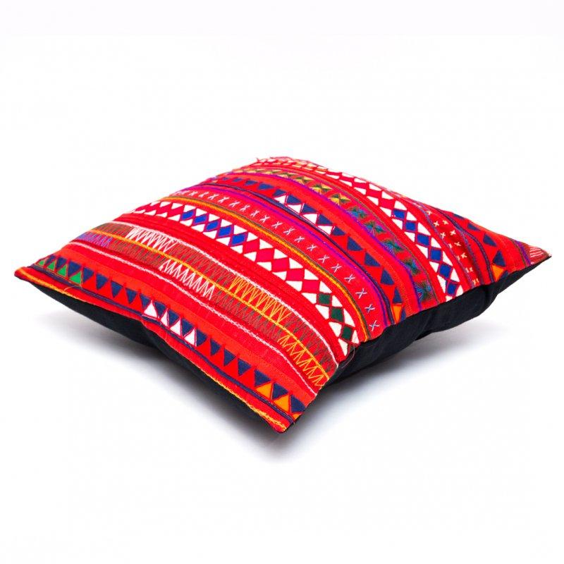 画像2:アカ族刺繍のクッションカバー(赤)