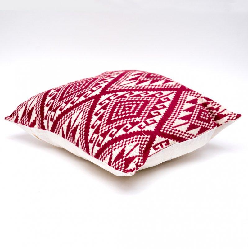 ラオ族刺繍のクッションカバー(燕脂)