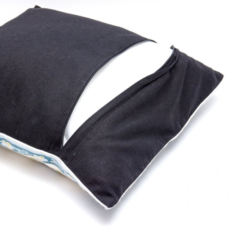 画像3:モン族刺繍のクッションカバー(青)