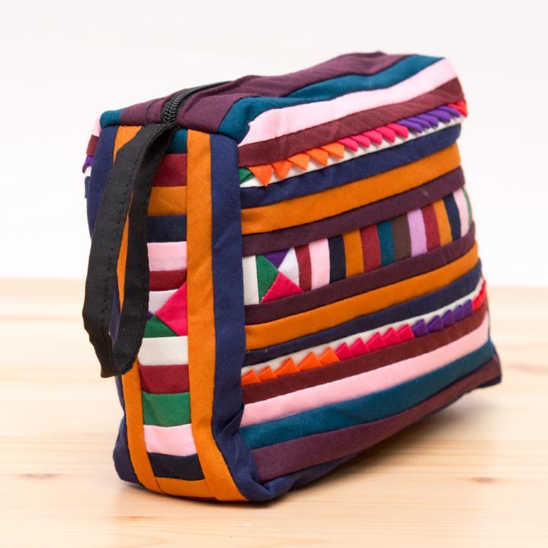 リス族刺繍のカラフルコスメポーチ(ブラウン/ネイビー)