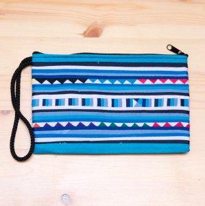 リス族 パッチワーク刺繍のロングポーチ(ブルー)