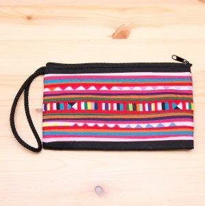 リス族 パッチワーク刺繍のロングポーチ(ブラック/ピンク)
