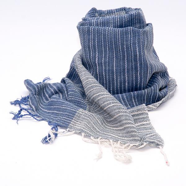 ラオ族手織りのコットンストール(ネイビー)