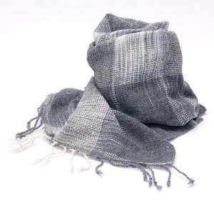 ラオ族手織りのコットンストール(グレー)