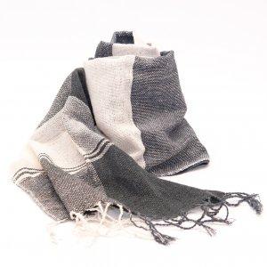 ラオ族手織りのコットンストール(ブラック&ホワイト)