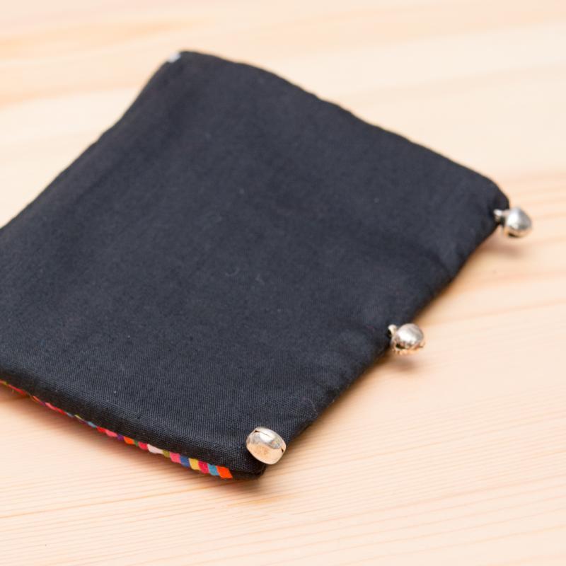 画像3:リス族刺繍 かわいい鈴のついたポーチ
